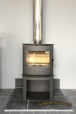 Newbourne 40FS, multi-fuel stove on a stand