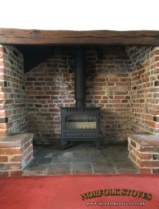 Hunter-Herald-8-Single-Door-Wood-Burner-Inglenook