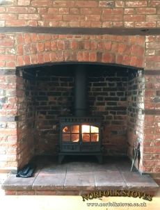 Hunter-Herald-8-Slimline-Door-Croses-Wood-Burner