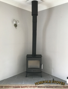Newbourne-40FS-Multifuel-Stove-Corner